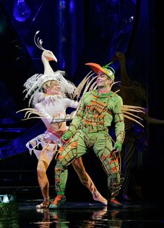 """Nathan Gunn as Papageno with dancer Rachel Schuette in Mozart's """"The Magic Flute"""" Met Theatre Costumes, Movie Costumes, James And Giant Peach, Children Of Eden, Julie Taymor, Lion King Jr, The Magic Flute, Bird Costume, Animal Costumes"""
