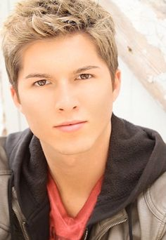 Paul Butcher, the boy who played Dustin (aka Zoey's little brother) on Zoey 101. NO FREAKIN WAY!!!