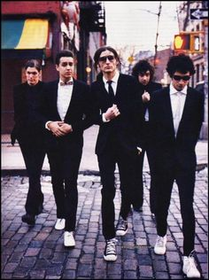 The strokes, anti folk Julian Casablancas, Anti Folk, Albert Hammond, Like A Sir, Indie, Band Photography, Slick Hairstyles, Band Photos, Poses