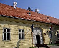 Weincheim Fejérváry kastékly Outdoor Decor, Home Decor, Decoration Home, Room Decor, Home Interior Design, Home Decoration, Interior Design