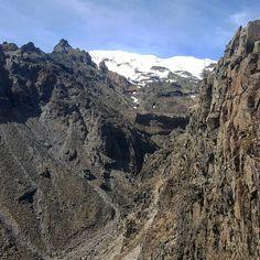 Trekking Tongariro // Mt Ruapehu #purenewzealand #wanderlust #discovernz