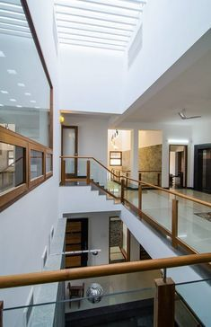 Home Stairs Design, Interior Stairs, Home Room Design, Home Interior Design, Living Room Designs, Minimal House Design, Bungalow House Design, Indian Home Interior, Latest House Designs