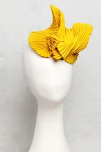 PLIABILITY: 100%  wool pleated felt fascinator with thin elastic band
