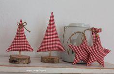 Weihnachtsdeko - ♥Tannenbäumchen und Sterne 4-teilig rot-weiß♥ - ein Designerstück von AnnaSweetHome bei DaWanda