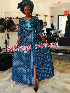 Mali fashion bazin wax #Malifashion #bazin #malianwomenarebeautiful #dimancheabamako #mussoro Latest African Fashion Dresses, African Print Dresses, African Print Fashion, Africa Fashion, African Dress, African Wedding Attire, African Attire, African Wear, African Women