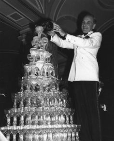 Champagne towers should come back as the next wedding trend....