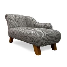 A fantastic medium classic #chaise in Wemyss Fabrics Iliad Storm on dark oak splayed legs 🤩 #chaiselongue #chaiselounge #chaiselongueco #interiordesign #bespokefurniture #bepsokeseating #upholstery #madeinyorkshire