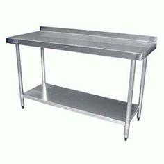 Mesa de trabajo ideal para restaurantes y cocinas industriales en acero inoxidable T-304.