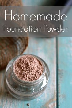 Whoa, I already have most of these ingredients in my kitchen! #diymakeup #homemademakeup #homemadefoundation #homemadefacepowder