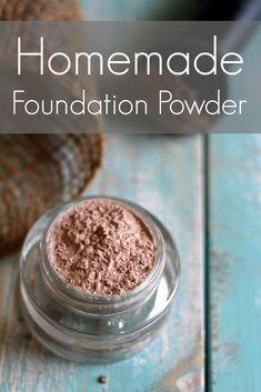 DIY Makeup Recipes 2017 / 2018 : Homemade Foundation Powder The Mommypotamus Homemade Foundation, Diy Foundation, Powder Foundation, Natural Foundation, Foundation Application, Drugstore Foundation, Mineral Foundation, Beauty Care, Beauty Hacks