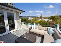 450 Wynola St, Pacific Palisades, CA 90272 | MLS# 12-590337 | Redfin