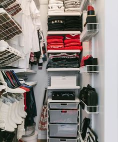 Makeover for a tiny closet like my own.Small Walk-In Closet Organization Tips (Refinery Mini Closet, Walk In Closet Small, Small Closet Space, Small Space Bedroom, Small Closets, Front Closet, White Closet, Organizing Walk In Closet, Closet Hacks