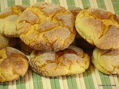Coisas cá de casa: Broinha de fubá Kitchen Recipes, My Recipes, Sweet Recipes, Cooking Recipes, Favorite Recipes, Biscotti, Good Food, Yummy Food, Portuguese Recipes