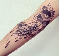 line art fox tattoo Tatuajes Tattoos, Bild Tattoos, Cute Tattoos, Small Tattoos, Peacock Feather Tattoo, Feather Tattoos, Forearm Tattoos, Bleu Noir Tattoo, Believe Tattoos