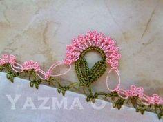 Değişik Tığ İşi Oya Modelleri | Hobilendik.net Crochet Motifs, Crochet Borders, Filet Crochet, Irish Crochet, Crochet Patterns, Crochet Flowers, Crochet Lace, Crazy Quilt Stitches, Hand Embroidery Videos
