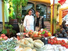 La Television Japonesa en Cordoba en Restaurante Taberna Sociedad Plateros Mª Auxiliadora Manuel Bordallo con unos de los realizadores Tatsuo TANAKA ver mas fotos en www.sociedadplateros.com