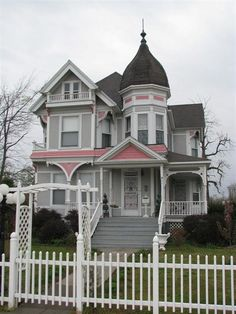 Victorian Houses. http://pinterest.com/njestates/victorian-homes/  Thanks To http://www.njestates.net/