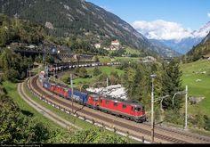 RailPictures.Net Photo: 420 342, 620 069, 11336, 620 061, 11163 SBB Re 420, Re 620, Re 4/4 II at Wassen, Switzerland by Georg Trüb