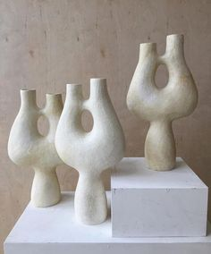 """Jordana Joan on Instagram: """"Gosh I love shapes and the way they can make you feel. Vessels by @simonebodmerturner"""" Ceramic Clay, Ceramic Pottery, Pottery Art, Wabi Sabi, Ceramic Sculpture Figurative, Love Shape, Keramik Vase, Clay Vase, Clay Crafts"""