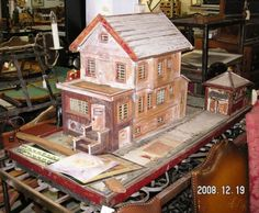 Doll Houses And Doll House Furnishings - I Antique Online