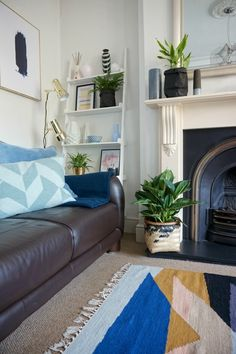 Decorating Ideas Living Room Blue Black Furniture Sets 53 Best Images Diy For Home Cheering Up A Corner With Some Shelving And Accessories Can Really Make All The
