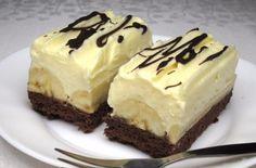 Cheesecake s čučoriedkovou šľahačkou No Cook Desserts, Delicious Desserts, Dessert Recipes, Yummy Food, Delish Cakes, Czech Recipes, Brownie Cake, Pastry Cake, Ice Cream Recipes