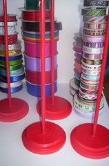 Ribbon Spool Organizers of awesomeness. - HOME SWEET HOME - .yes, I said 'awesomeness', because I love these!I took a jumbled mess of ribbons, and turned them into these lovelies. Ribbon Organization, Ribbon Storage, Craft Organization, Organizing Tips, Cleaning Hacks, Craft Room Storage, Craft Rooms, Storage Ideas, Craft Space