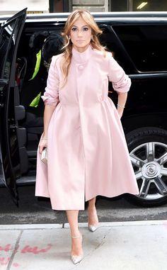 Love that coat, Jennifer Lopez!