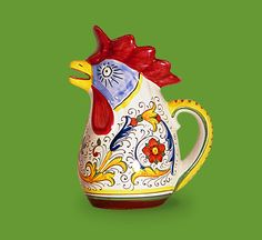Verde Rooster Pitcher Rooster Kitchen, Kitchen Ware, Ceramic Rooster, Hens And Chicks, Diy Hacks, Country Decor, Tea Pots, Kitchen Decor, Pottery
