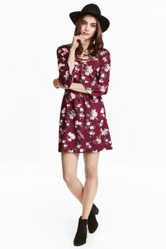 Dress with lacing | H&M