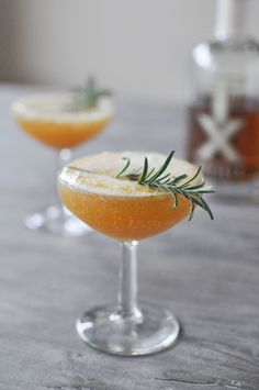 A big-batch cocktail for fall or winter parties. The Harvest Sparkle: bourbon, prosecco, cider honey syrup (honey, ginger, cinammon, cloves, orange juice)