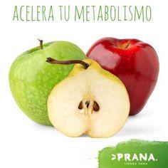 Las peras y las manzanas Estas frutas tienen la capacidad de ayudar a quemar grasa, lo cual permite mantener un peso saludable.