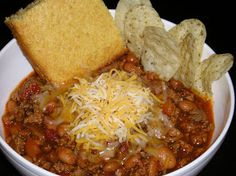 The Persnickety Picnic: Chili and Cornbread