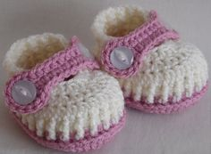 Crochet baby booties for newborn 0 to 3 month or 3 by kristine1986