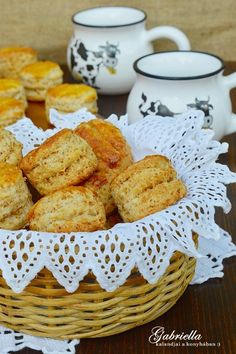Réteges tepertős pogácsa Scones, Biscuits, Recipies, Food And Drink, Bread, Cheese, Vegetables, Cooking, Cake