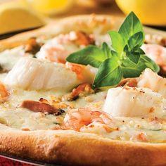 Les délices de la mer sur une pizza croustillante, quelle bonne idée! Pétoncles, crevettes, moules et autres chairs fleurent bon l'air océanique. Pour gagner du temps, procurez-vous les mélanges de fruits de mer prêts à l'emploi au rayon des produits surgelés.