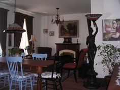 B&B à Québec B & B, Furniture, Home Decor, Decoration Home, Room Decor, Home Furniture, Interior Design, Home Interiors, Interior Decorating