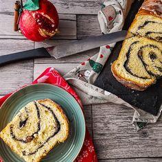 ΦΑΝΟΥΡΟΠΙΤΑ   Pastry...tsio Food Blogs, Raisin, Bakery, Cheesecake, Food Porn, Good Food, Rolls, Bread, Poppy