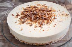 Pienet herkkusuut: Valkosuklaa-Daim-juustokakku Vegan Cake, Vegan Desserts, Vegan Recipes, A Food, Food And Drink, Vegan Gains, Sweet Bakery, Vegan Animals, Cheesecakes