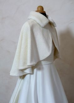 Warm Outfits, Classy Outfits, Outfits For Teens, Vintage Outfits, Vintage Fashion, Wedding Coat, Dream Dress, Cute Fashion, Ideias Fashion