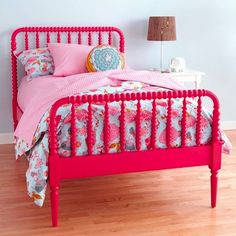hot pink bed