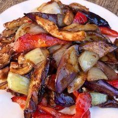 Eggplant Stir Fry, Chicken Eggplant, Spicy Eggplant, Cooking Eggplant, Eggplant Dishes, Recipe With Eggplant And Chicken, Veggie Dishes, Vegetable Recipes, Salads