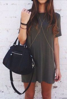 Absolutely in love with this look (including the bag)! The body chain looks stunning with it Summer Outfits, Casual Outfits, Cute Outfits, Fashion Outfits, Womens Fashion, Fashion Trends, Dress Summer, Ootd Fashion, Beyonce