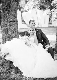 Katie & Travis' wedding at Kindred Oaks  Photo by Smith Photography  Love this navy and pink summer wedding!