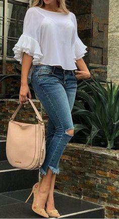 Me encantan estos 50 Looks con Jeans de Moda para Mejorar tu Estilo - blusas hermosas Look Fashion, Teen Fashion, Womens Fashion, Catwalk Fashion, Latest Fashion Dresses, Fashion Outfits, Fashion Ideas, Fashion Styles, Dress Fashion