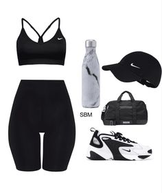 Discover outfit ideas for workout made with the shoplook outfit maker. How to wear ideas for sneakers and Gym bag Cute Sporty Outfits, Cute Workout Outfits, Chill Outfits, Womens Workout Outfits, Swag Outfits, Nike Outfits, Retro Outfits, Stylish Outfits, Sport Outfits