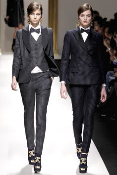 More evidence that women look amazing in a suit. Moschino A/W 2013/14 RTW