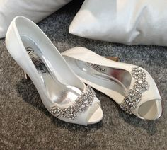[Love] Ireland face satin wedding shoes, crystal diamond white wedding dress shoes wedding shoes bridal shoes - Taobao
