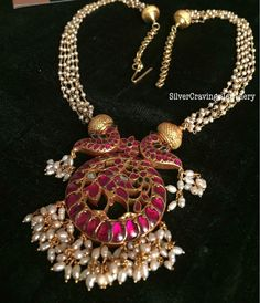 jewelry design for marriage Gold Jewellery Design, Bead Jewellery, Beaded Jewelry, Silver Jewelry, Indian Jewelry, Silver Rings, Clay Jewelry, Mughal Jewelry, Traditional Indian Jewellery