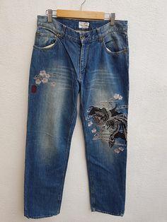 Vintage 90s KARAKURI TAMASHII Japanese Denim Souvenir Dragon and Falcon Embroidered Sukajan  Trouser Jeans Size 31 Trouser Jeans, Denim Jeans, Mom Jeans, Trousers, Pants, Japanese Denim, Jeans Size, Dragon, Vintage